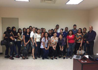 Valorizacion del Trabajo y Servicio al Cliente Plaza Comercial del Rio 2